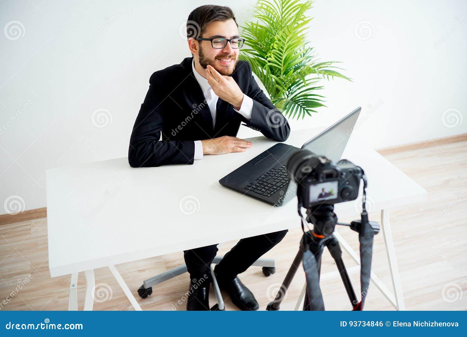 Blogger visuel masculin