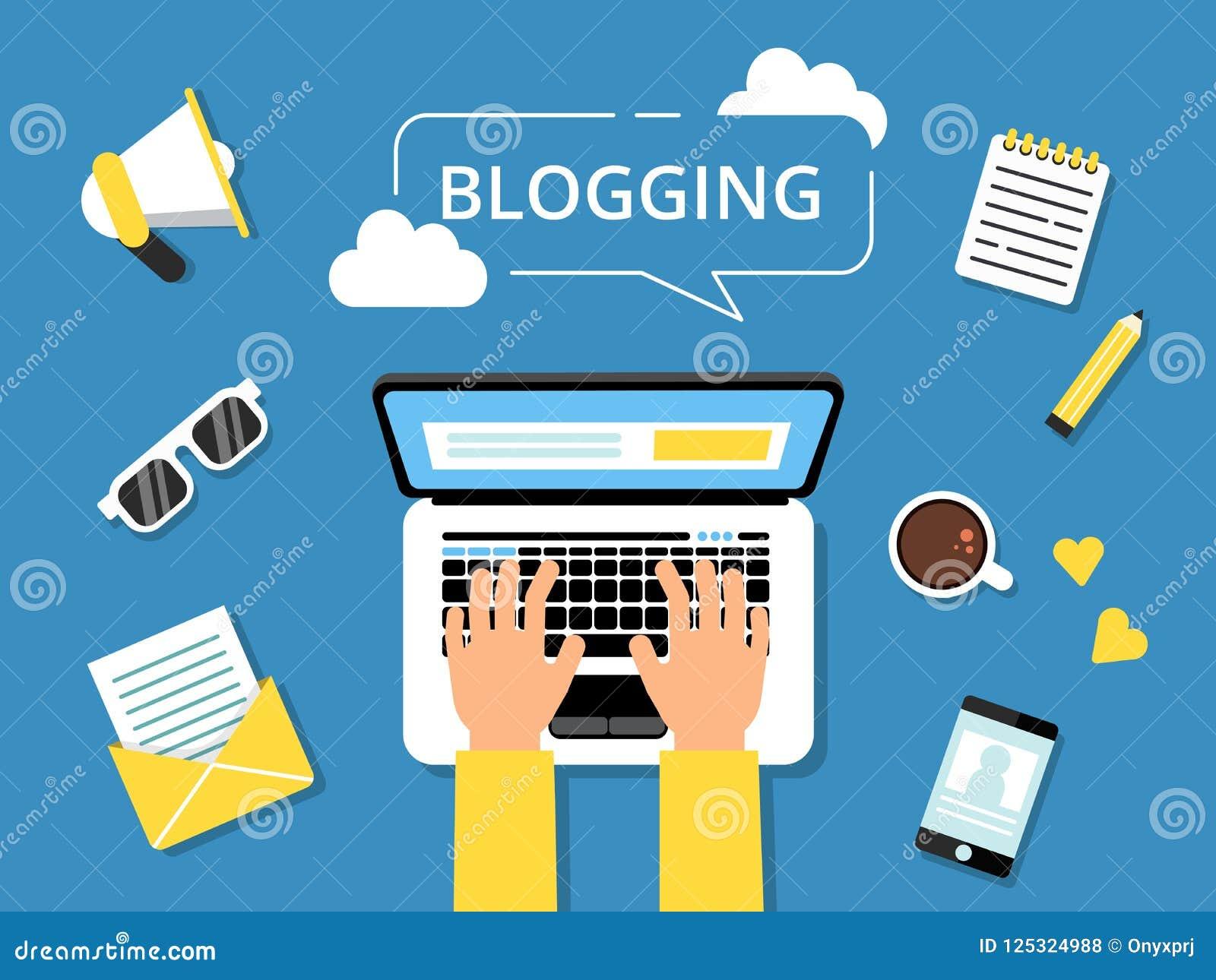 Blogging изображение концепции Руки на компьтер-книжке и различных инструментах для писателей вокруг