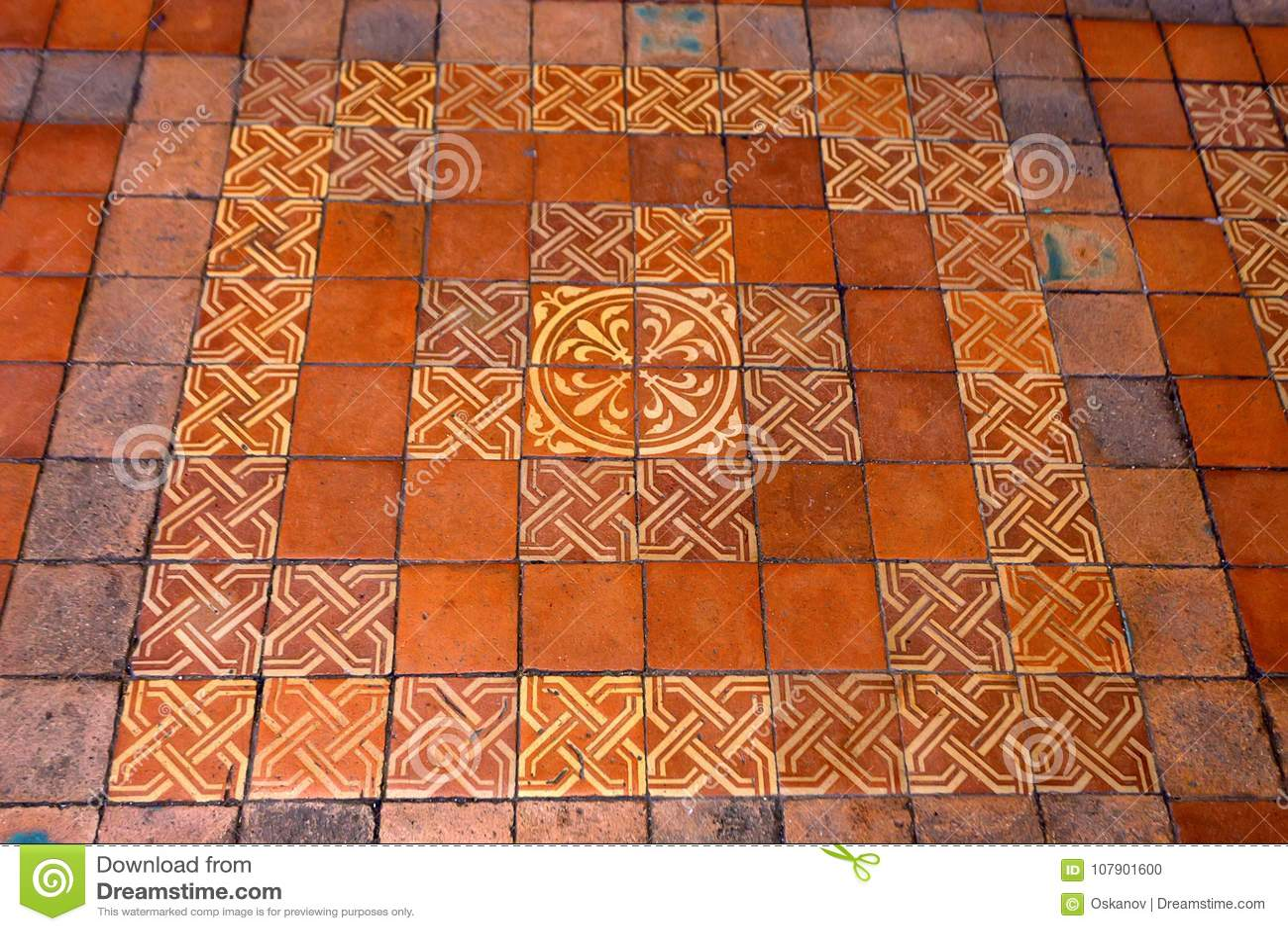 Blois francia circa giugno 2014: piastrella per pavimento