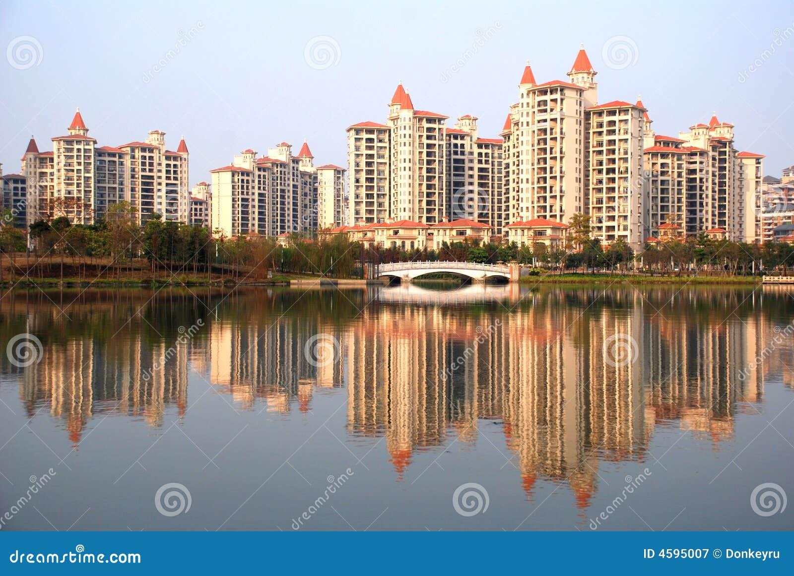 Blok mieszkalny lakeside