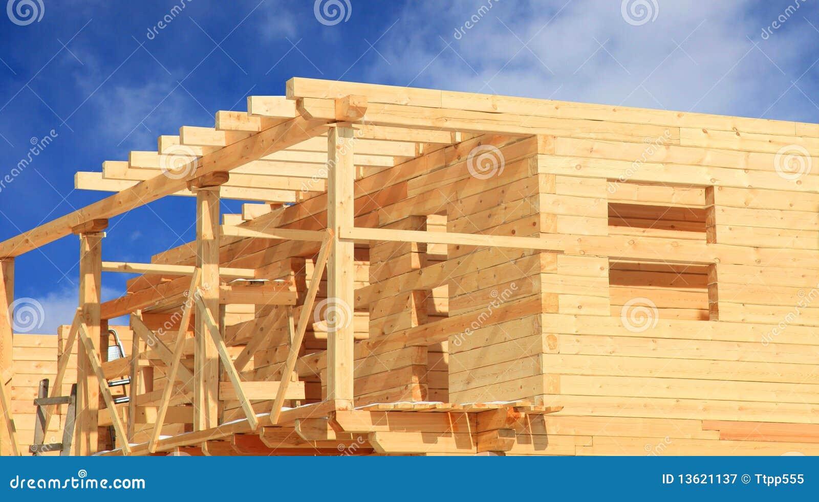 Blokhuis in aanbouw