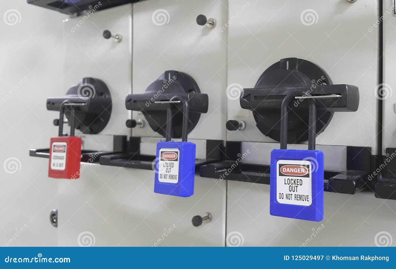 Blokuje out & Oznacza out, lokout stacja, maszyna - odmianowi lokout przyrząda