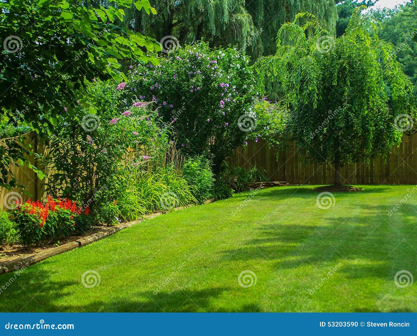 Blomningträdgårdlandskap