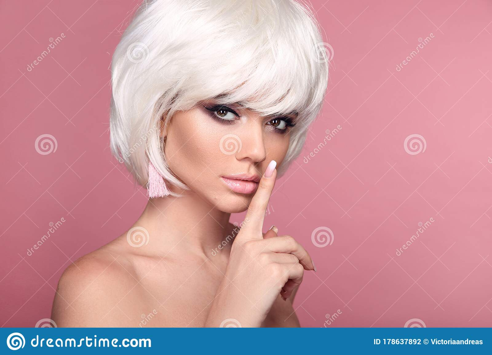 422 230 Blonde Model Photos Free Royalty Free Stock Photos From Dreamstime
