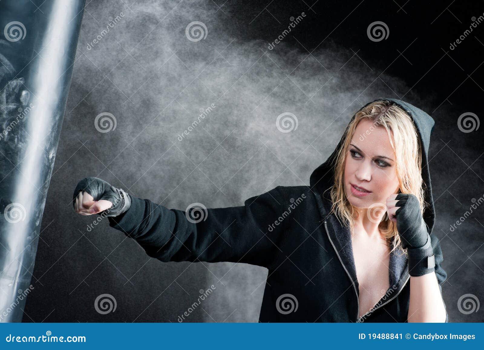 Фото пробитой женщины 12 фотография