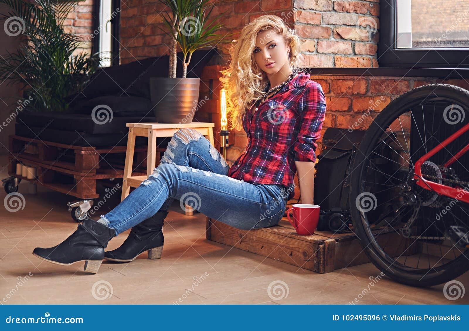 Amateur blonde sofa
