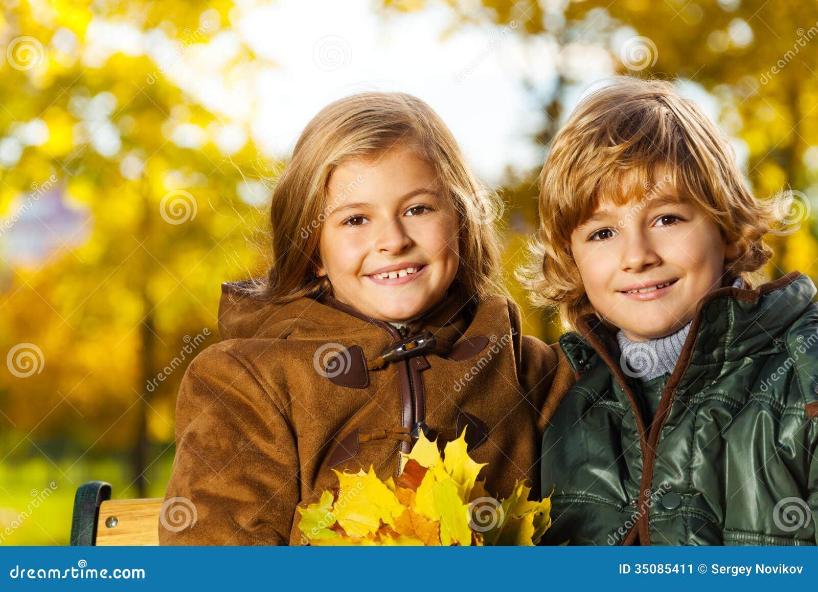 С сестрой мальчика 6 фотография
