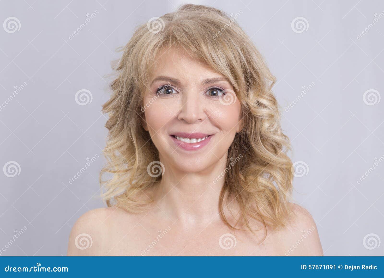 Blond kobieta