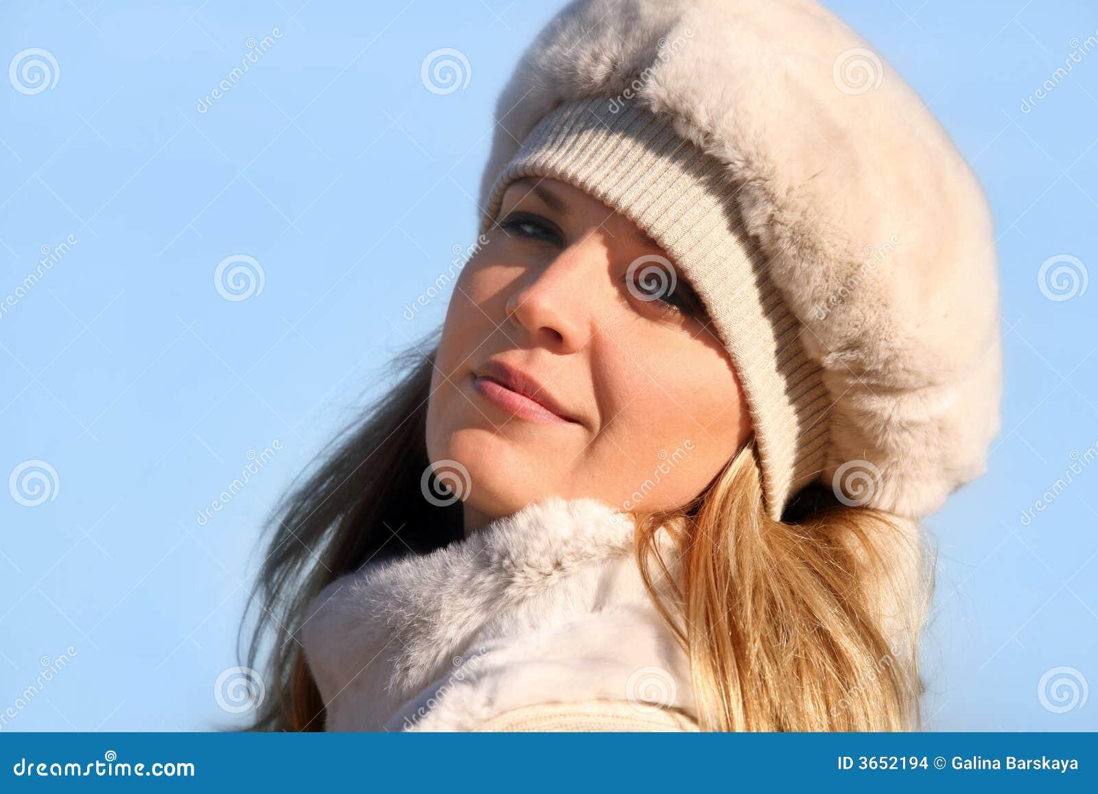 Blond pälsflickahatt