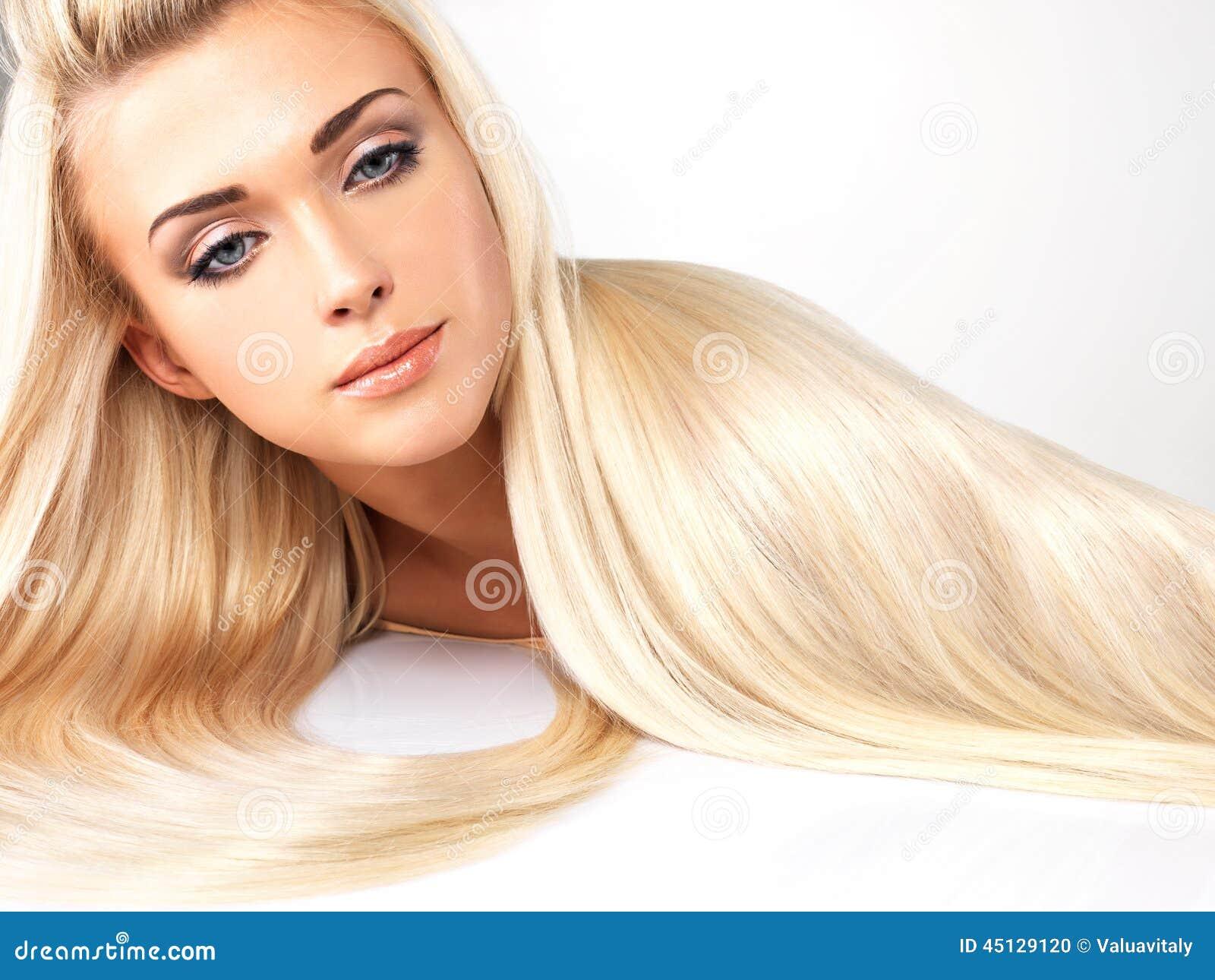 Пышные блондинки с длинными волосами 8 фотография