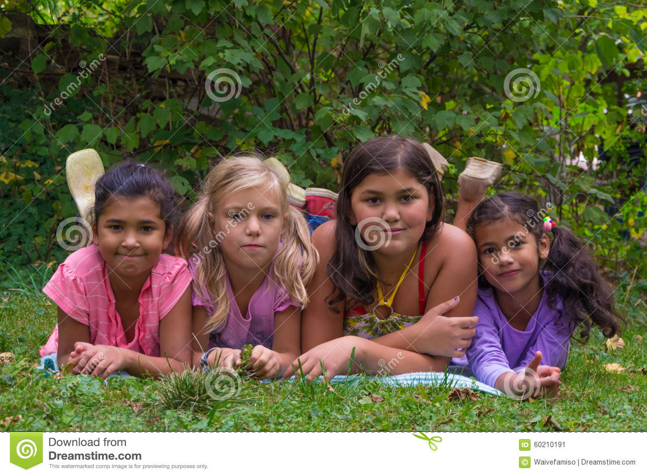"""multi sibling families vs only child Multi-sibling families vs the only child family, the very word implies """"more than one"""" however, how many is """"more than one"""" it could be two, three, or even."""