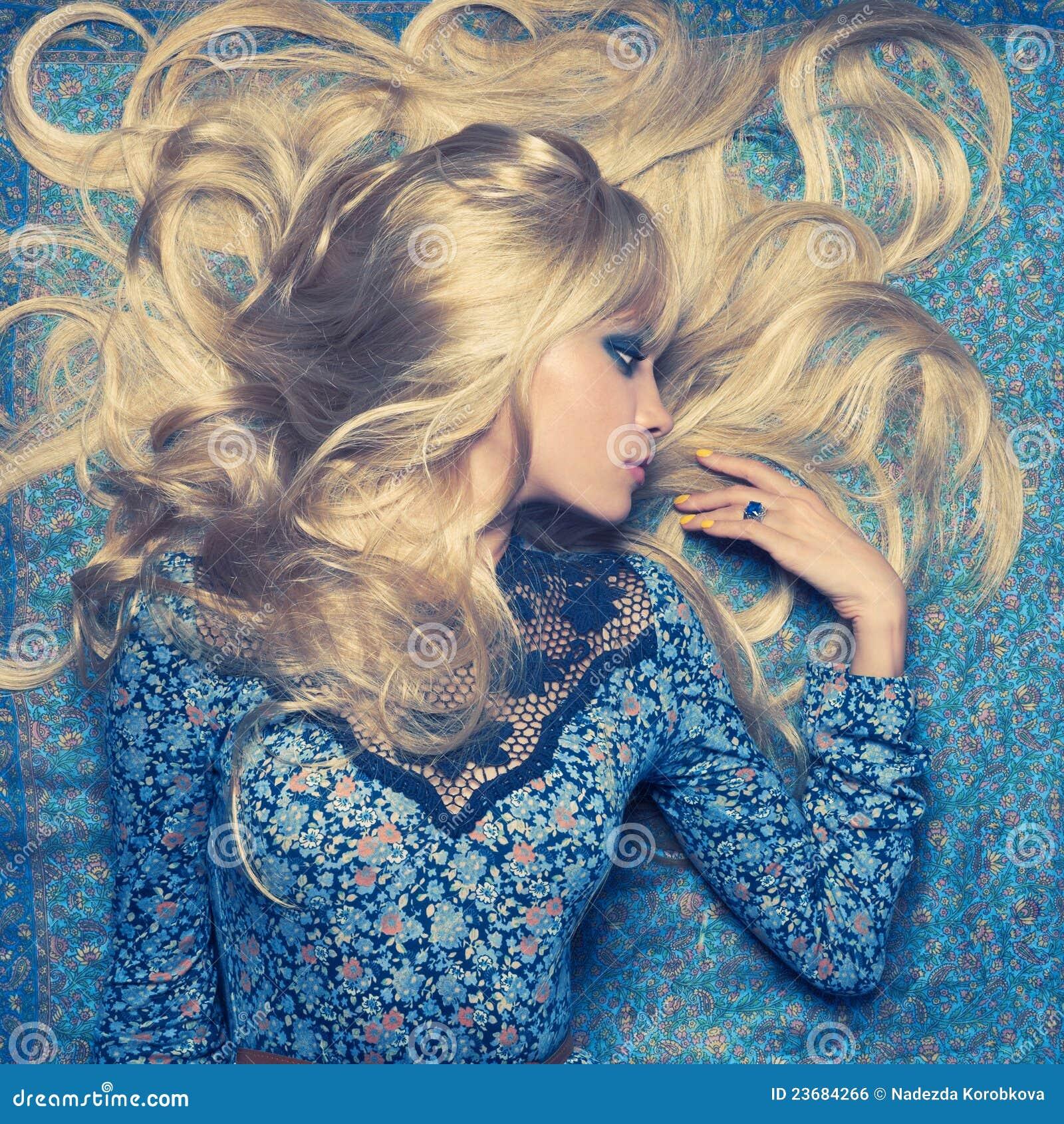 Blonde op Blauw
