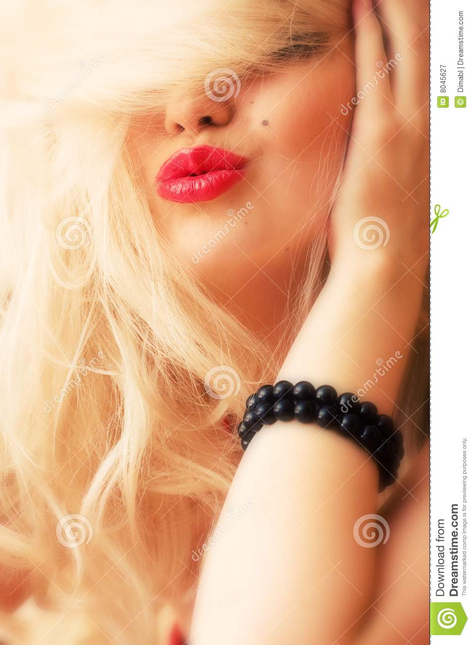 The blonde with red lips