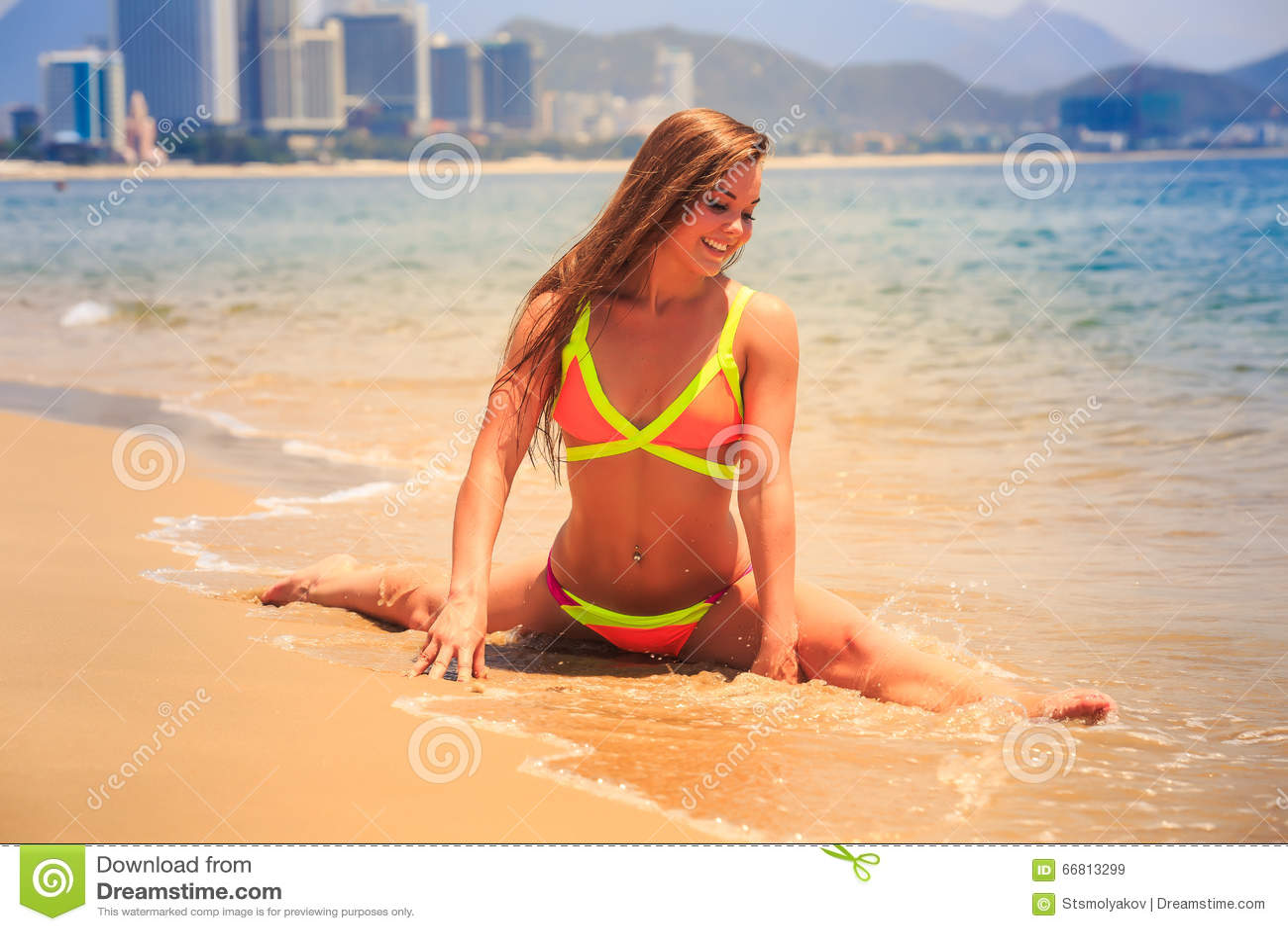 Bikini girl makes a boner explode 2