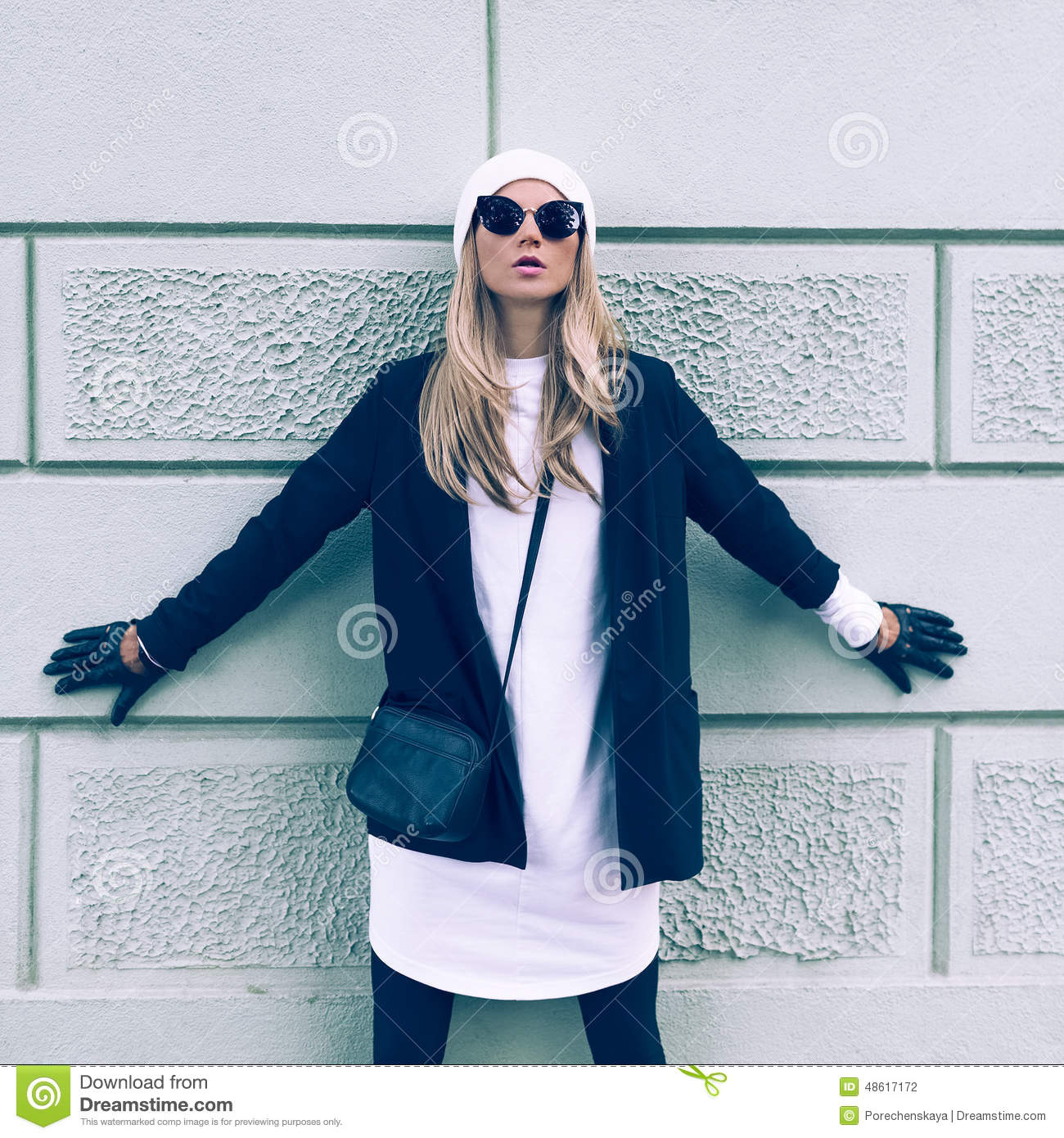 Blonde On The Street Urban Fashion Casual Style Stock Photo Image 48617172