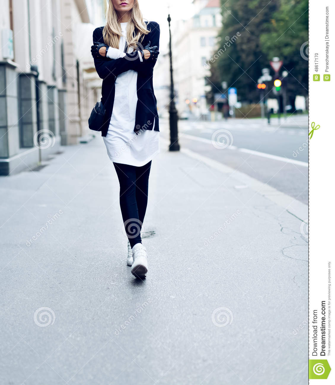 Blonde On The Street Urban Fashion Casual Style Stock Photo Image 48617170