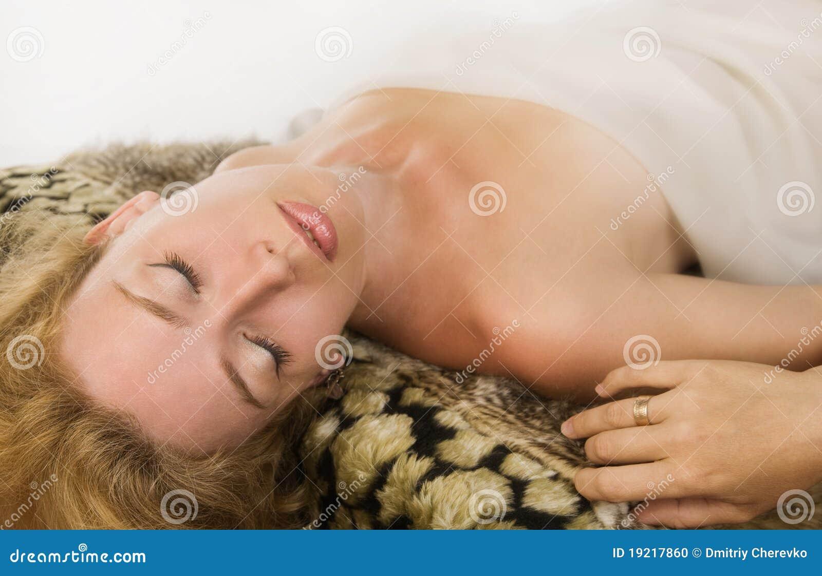 Blonde vrouw van de sensualiteit