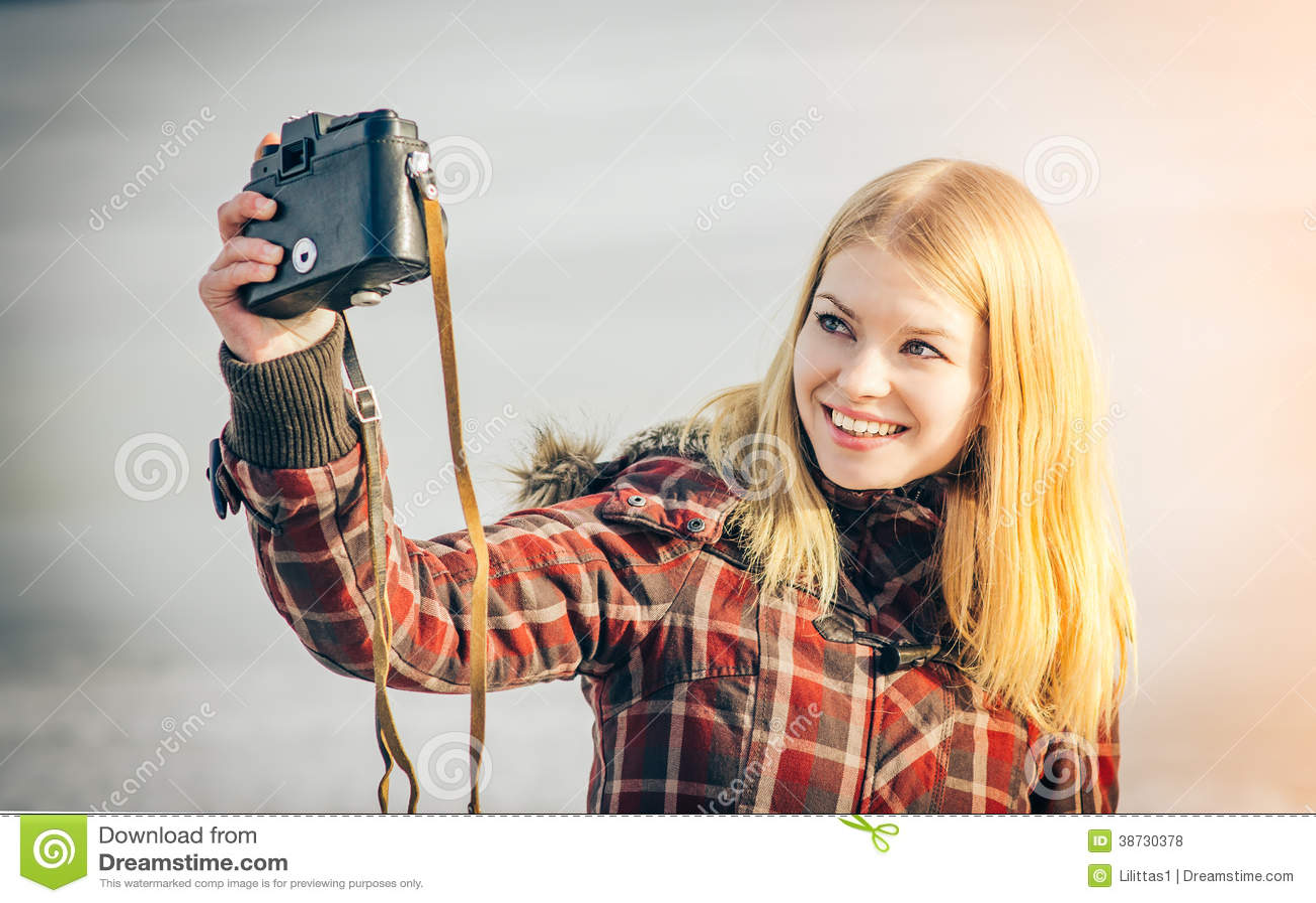 shot self Blonde girl
