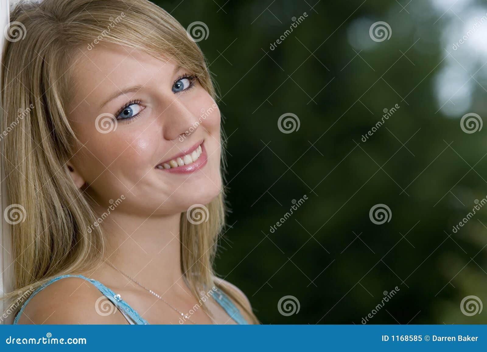Blondes Haar Blaue Augen Stockbild Bild Von Weiblich 1168585