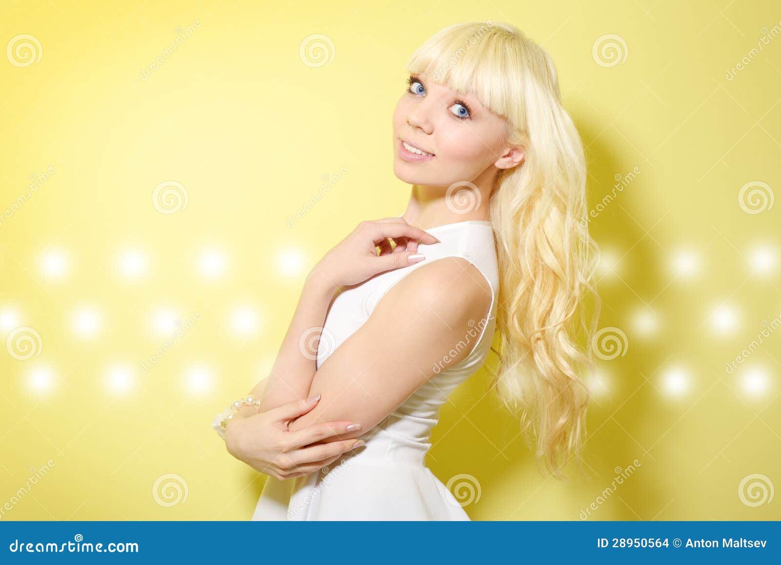 Blondynki dziewczyna