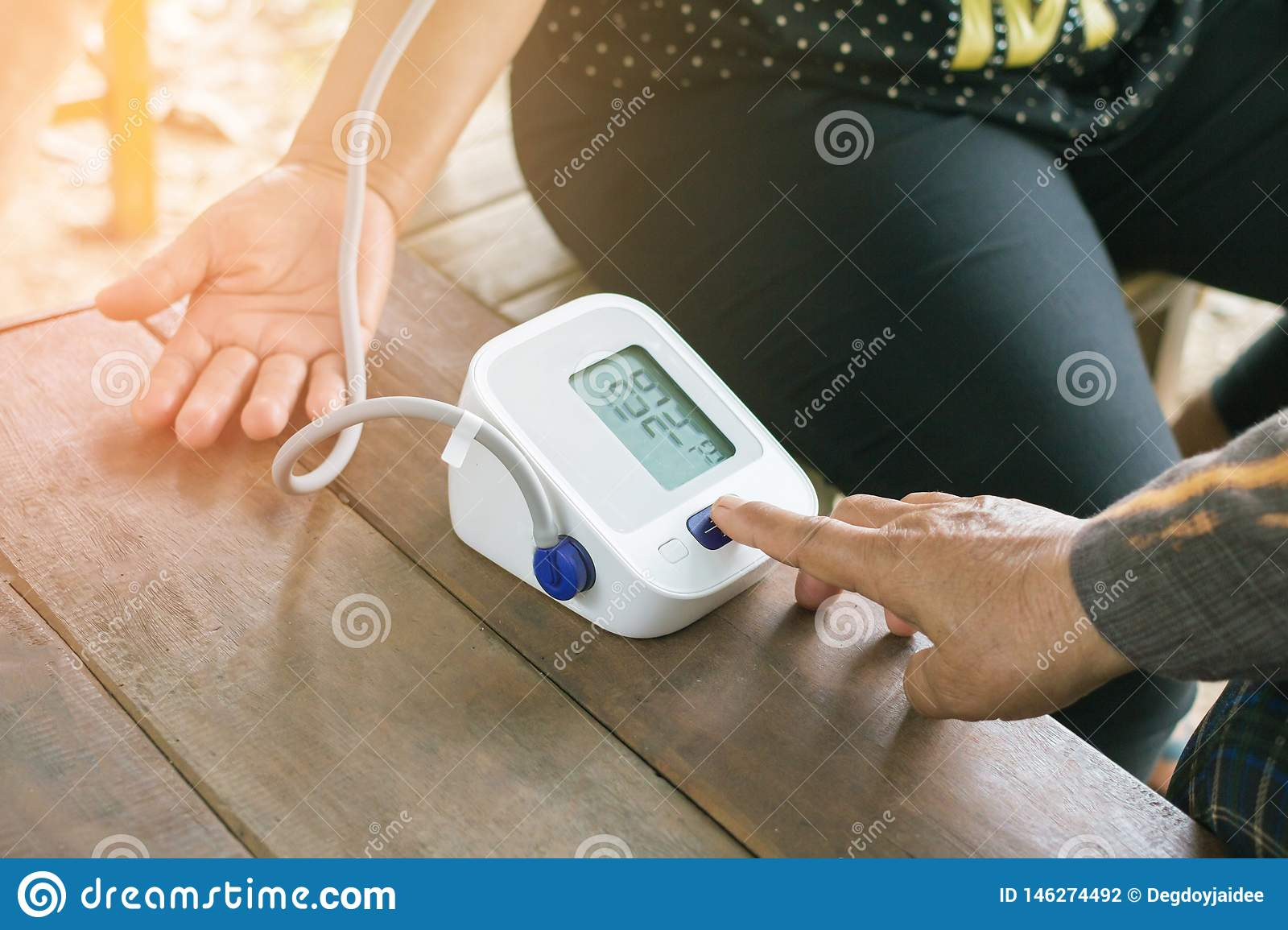 Blood Pressure Monitors with Blood Pressure Monitors, Cancer Patients at home