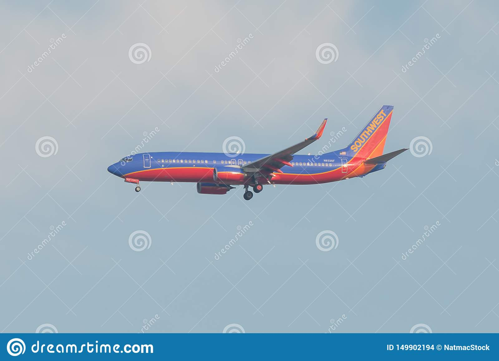 BLOOMINGTON, MINNESOTA/USA - 1. NOVEMBER 2013 - Southwest Airlines-Fläche nahe MSP - Minneapolis/St. Paul Airport mit Rotem, blau