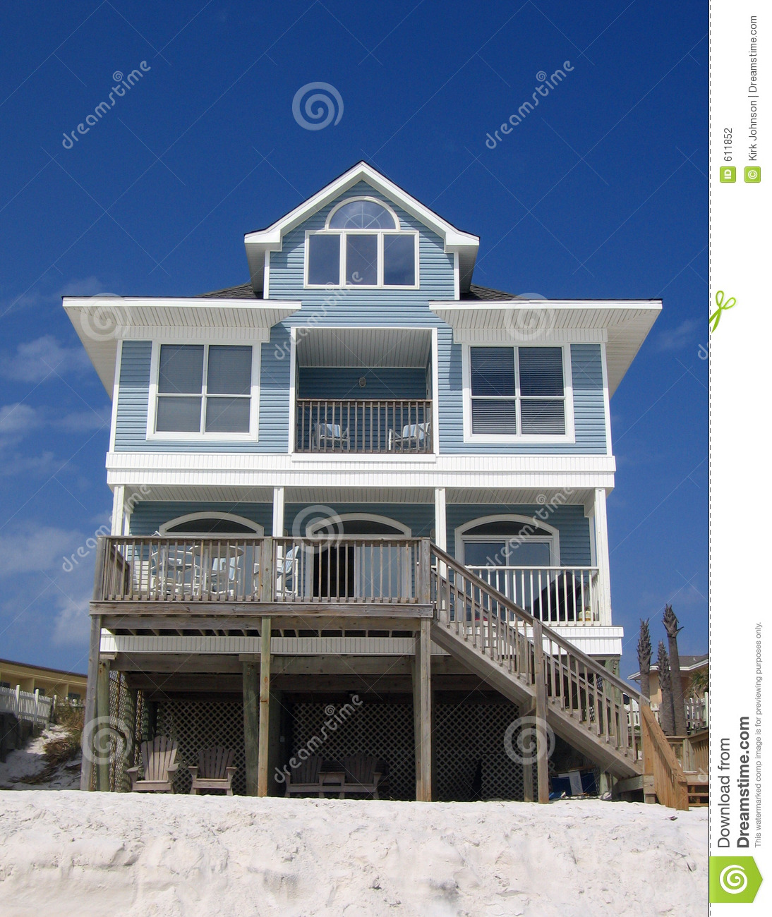 Blue beach rental cottage stock photography image 611852 for Blue house builders