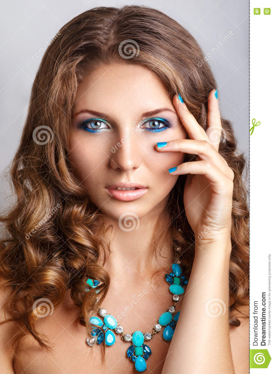 Glamour Beauty Model With Bright Fashion Make-up Royalty ...