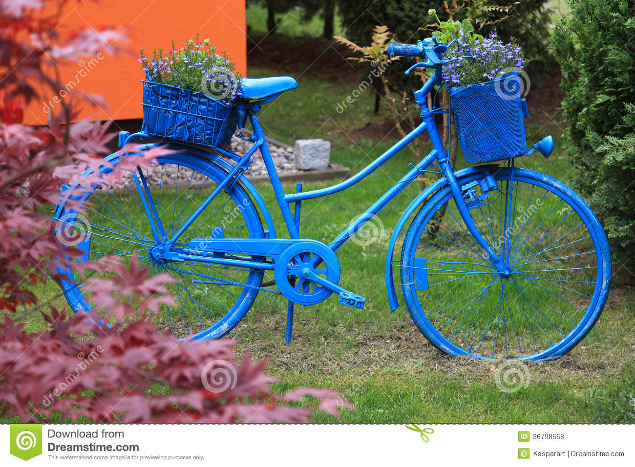 blue bicycle garden decoration royalty free stock photos - image