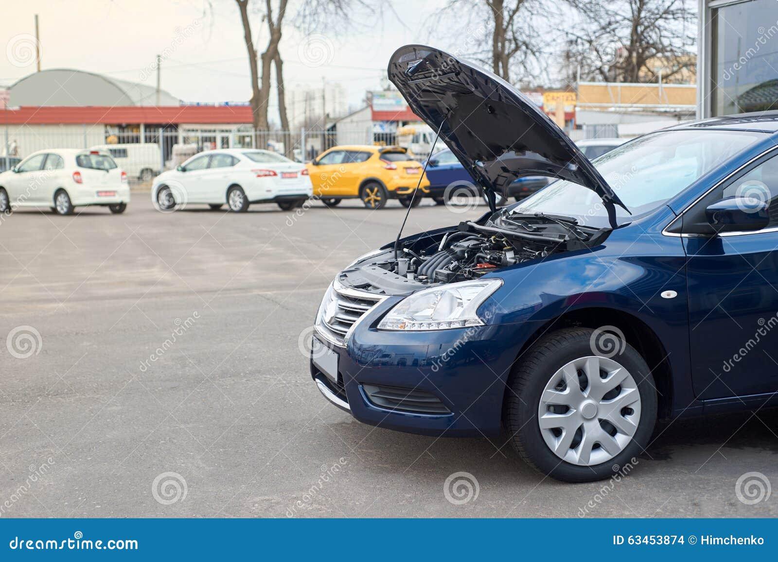 Car Broke Down >> Blue Car Broke Down Stock Photo Image Of Open Lift 63453874