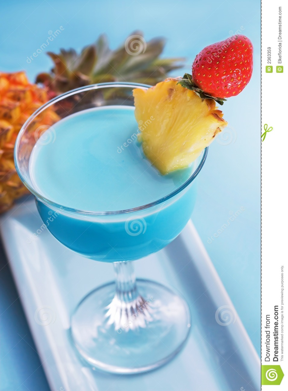 Blue curacao cocktail stock image image of tinted for Cocktail curacao