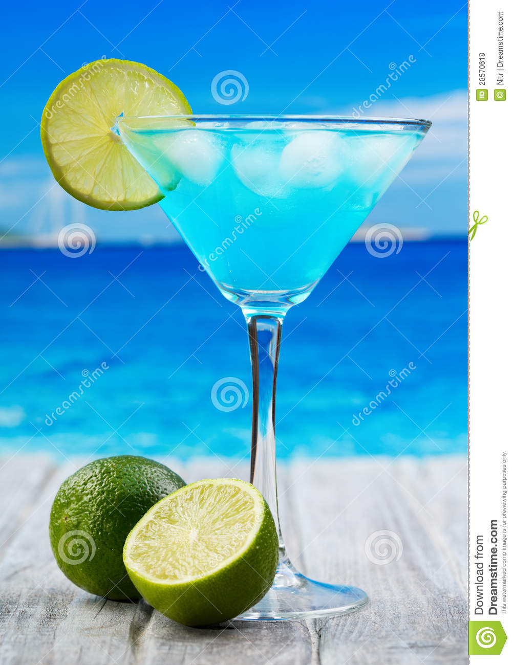 Blue curacao cocktail royalty free stock photos image for Cocktail curacao
