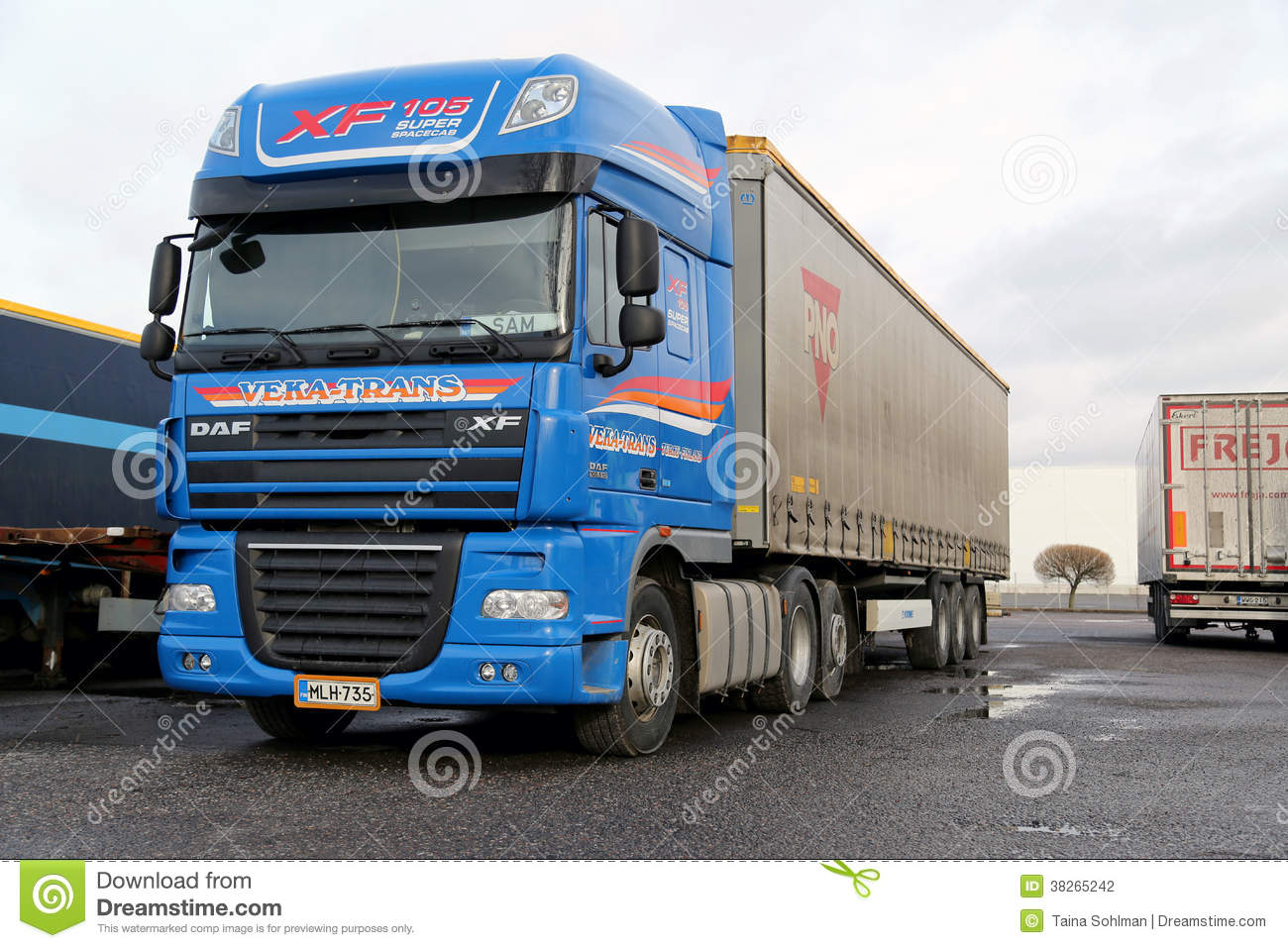 Blue Daf XF Super Long Haulage Truck Editorial Photography