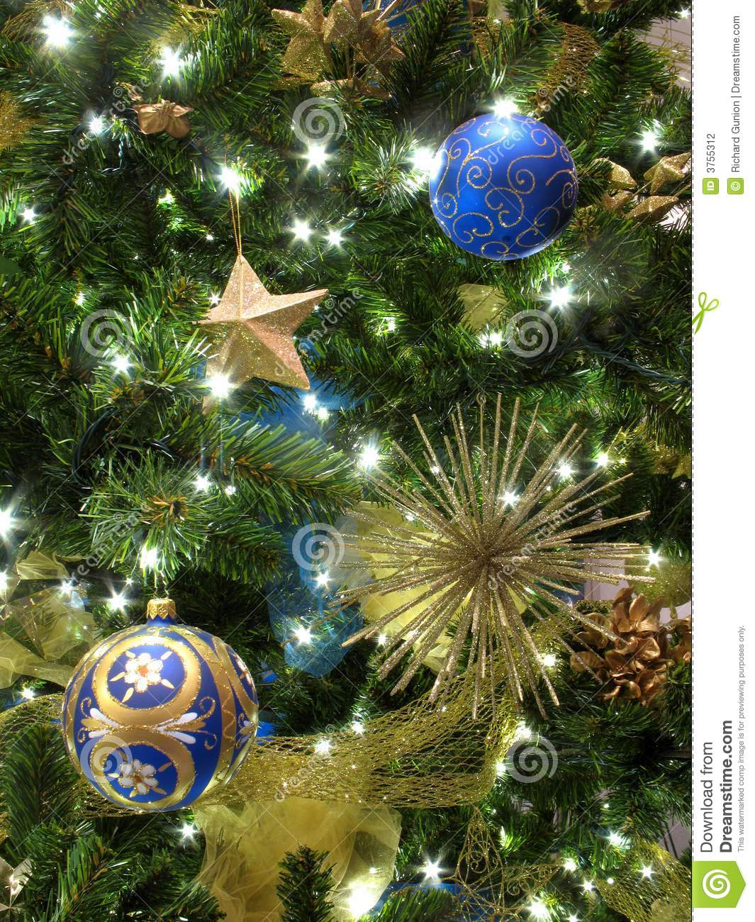 christmas tree decorations blue and gold photo10