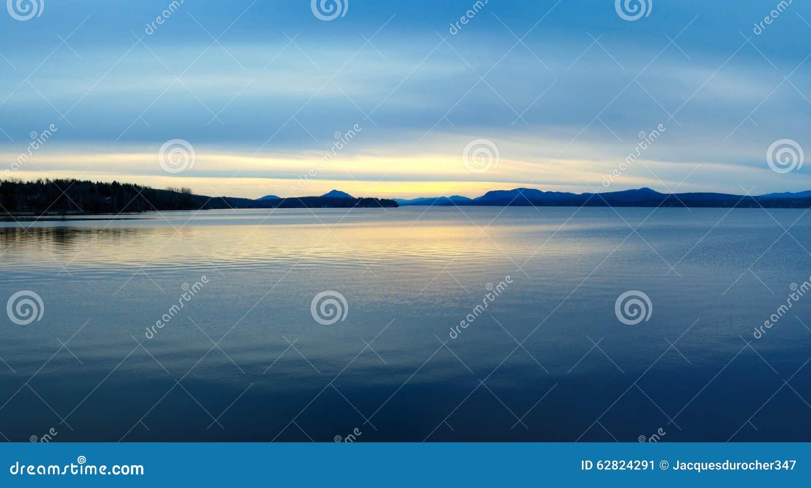 sky blue mountain reflection - photo #45