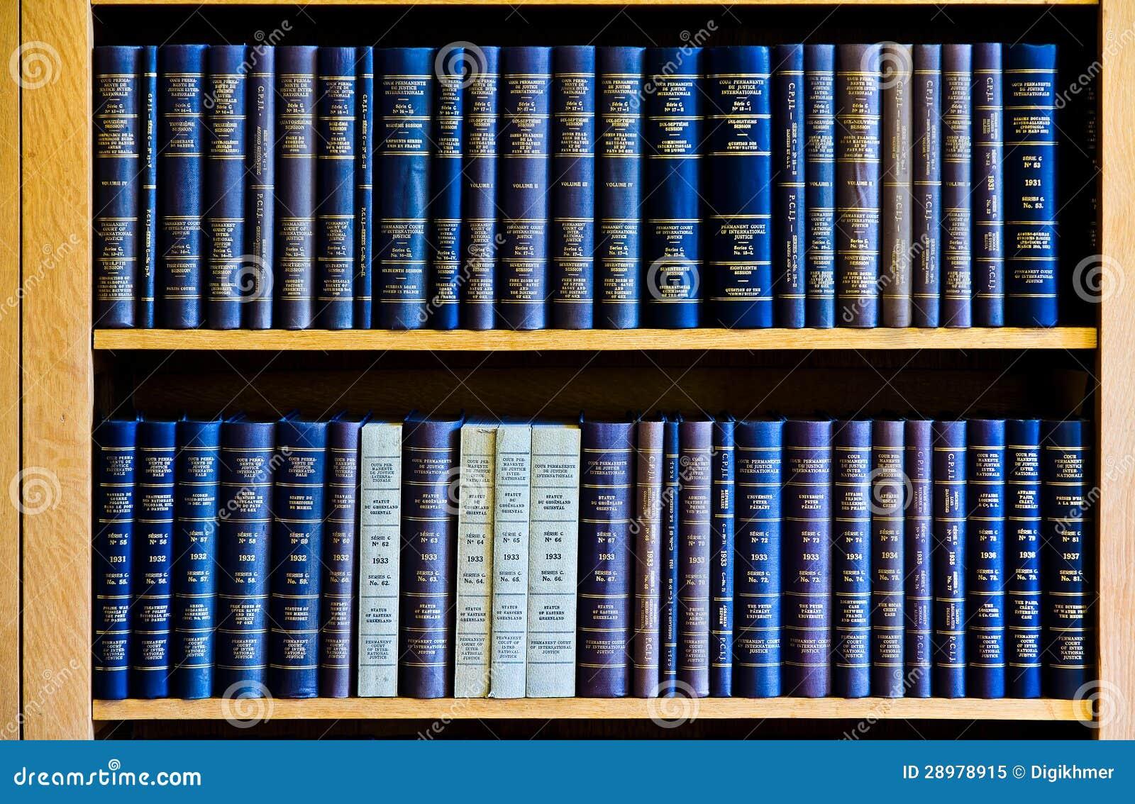 book lev vygotsky revolutionary scientist critical psychology
