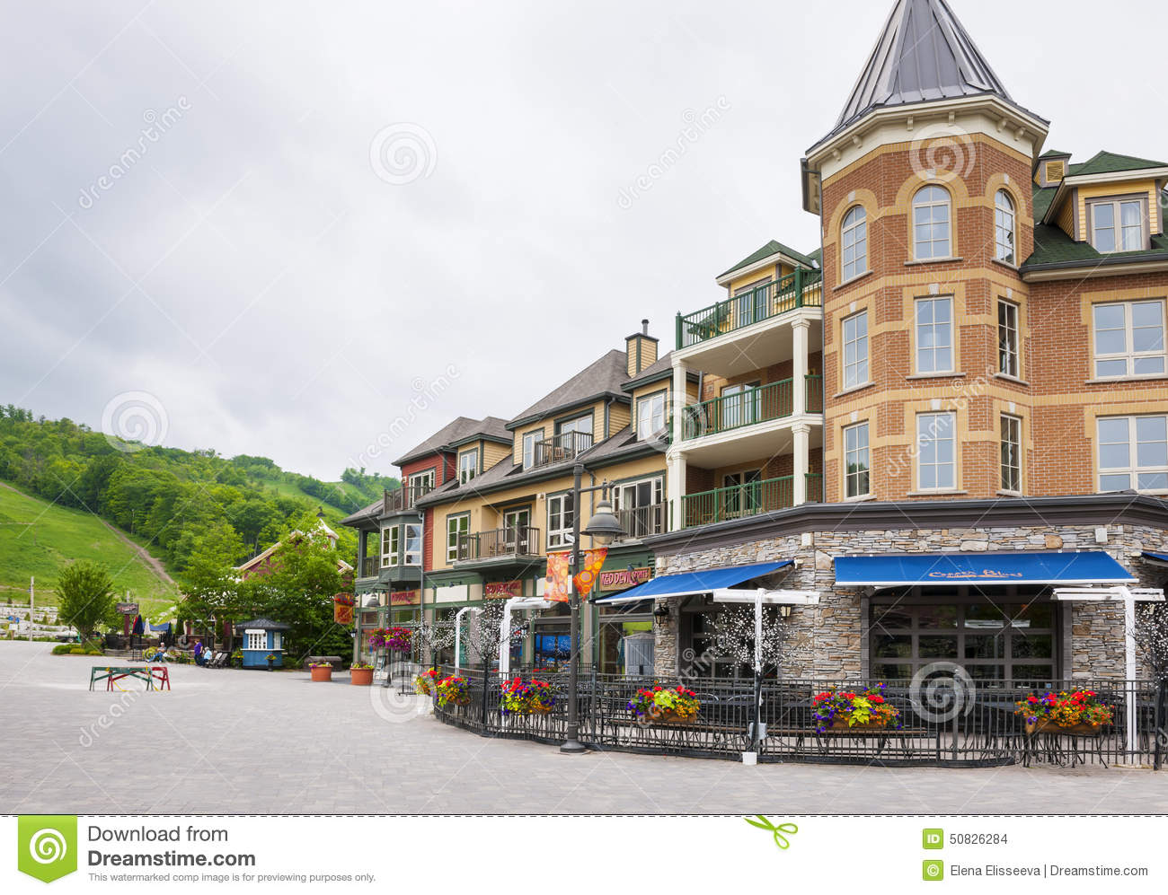 Collingwood Hotels Near Blue Mountain