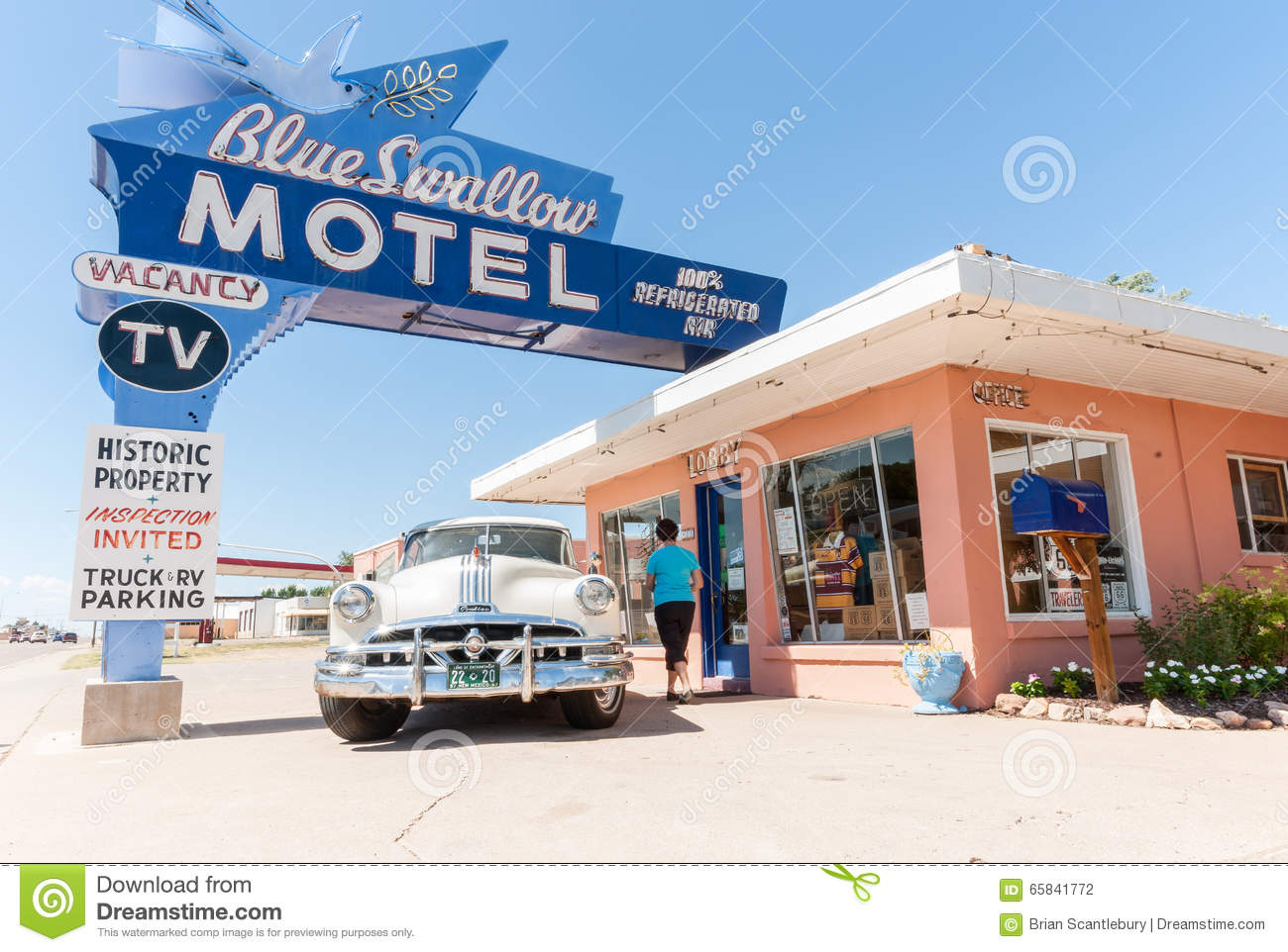 historic blue swallow motel in tucumcari  new mexico route 66 clip art road signs route 66 clip art images