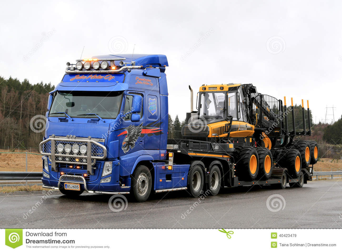 Blue Volvo FH13 Truck Hauls Ponsse Forwarder Editorial Stock Image - Image: 40423479