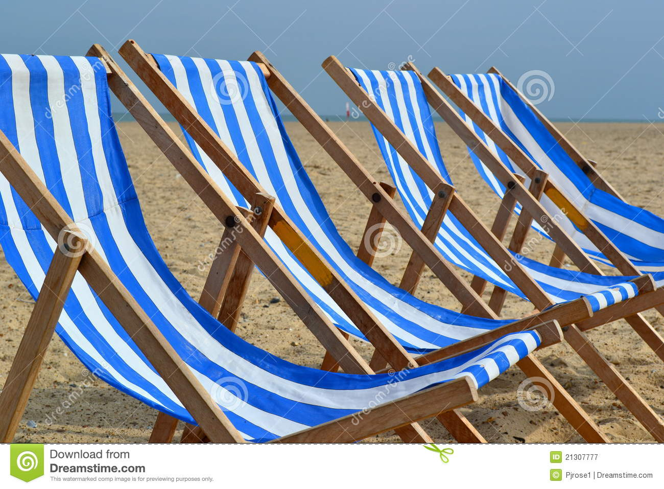 Blue White Beach Chairs Royalty Free Stock graphy Image