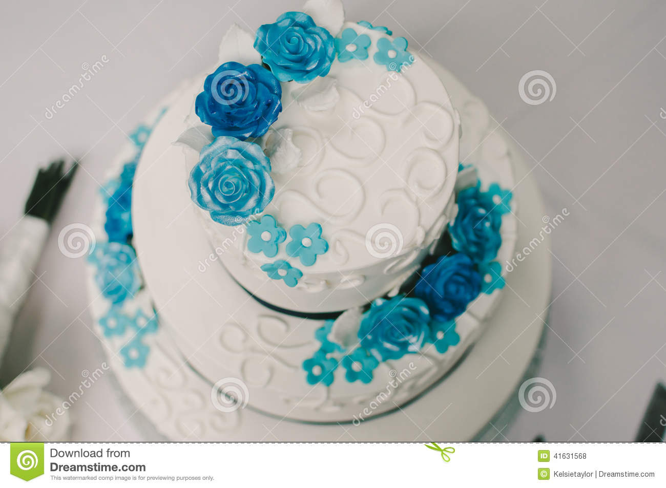 Blue and white flower wedding cake stock photo image of flowers blue and white flower wedding cake izmirmasajfo