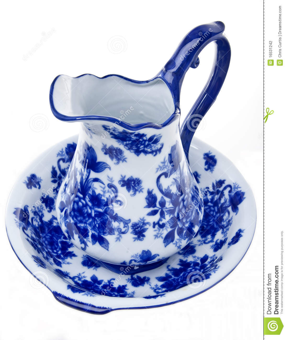 Blue and white pottery - Blue And White Pottery Pitcher And Basin