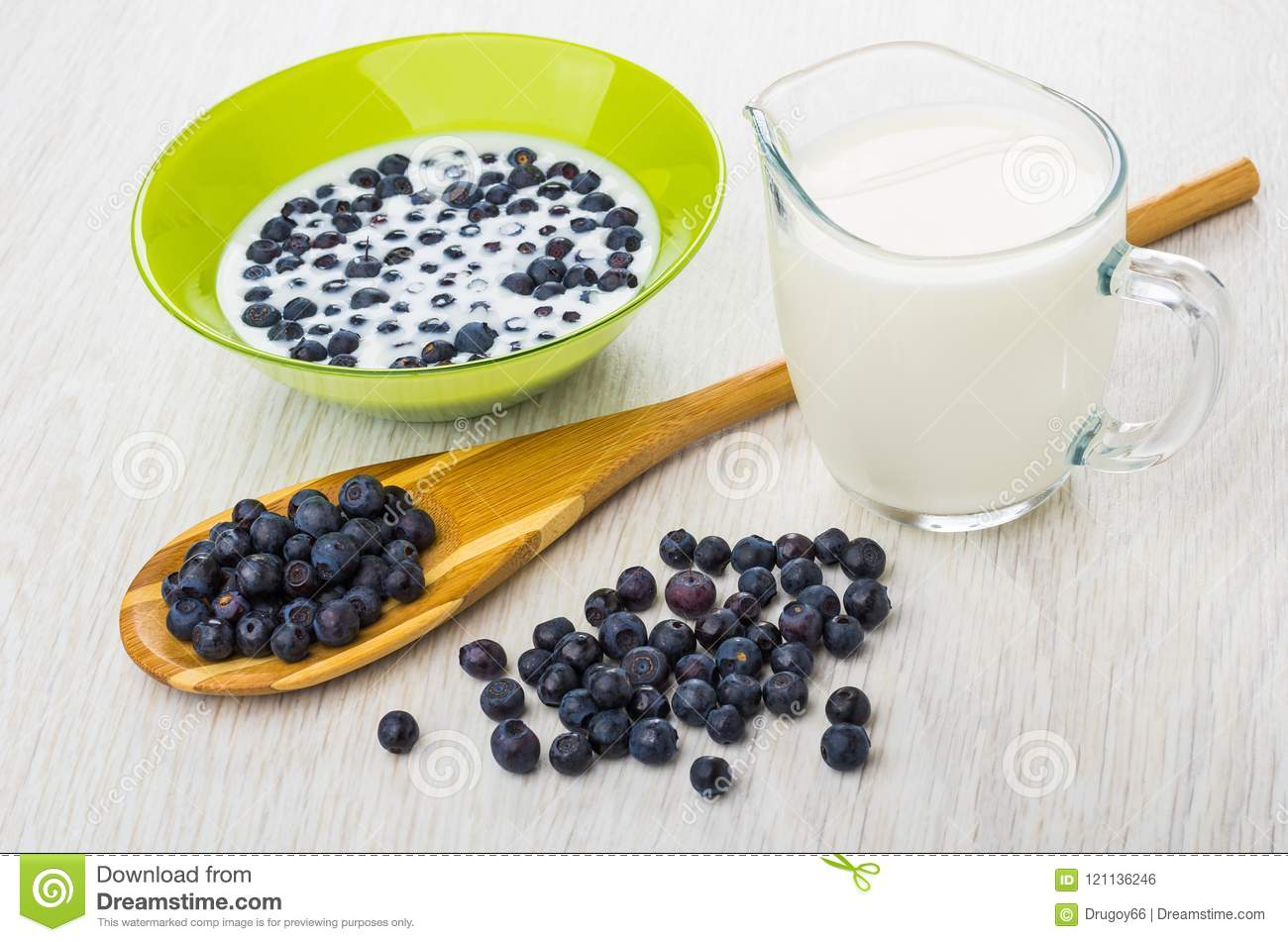 Blueberries On Spoon Scattered Blueberry Berries With Milk Mi Bamboo