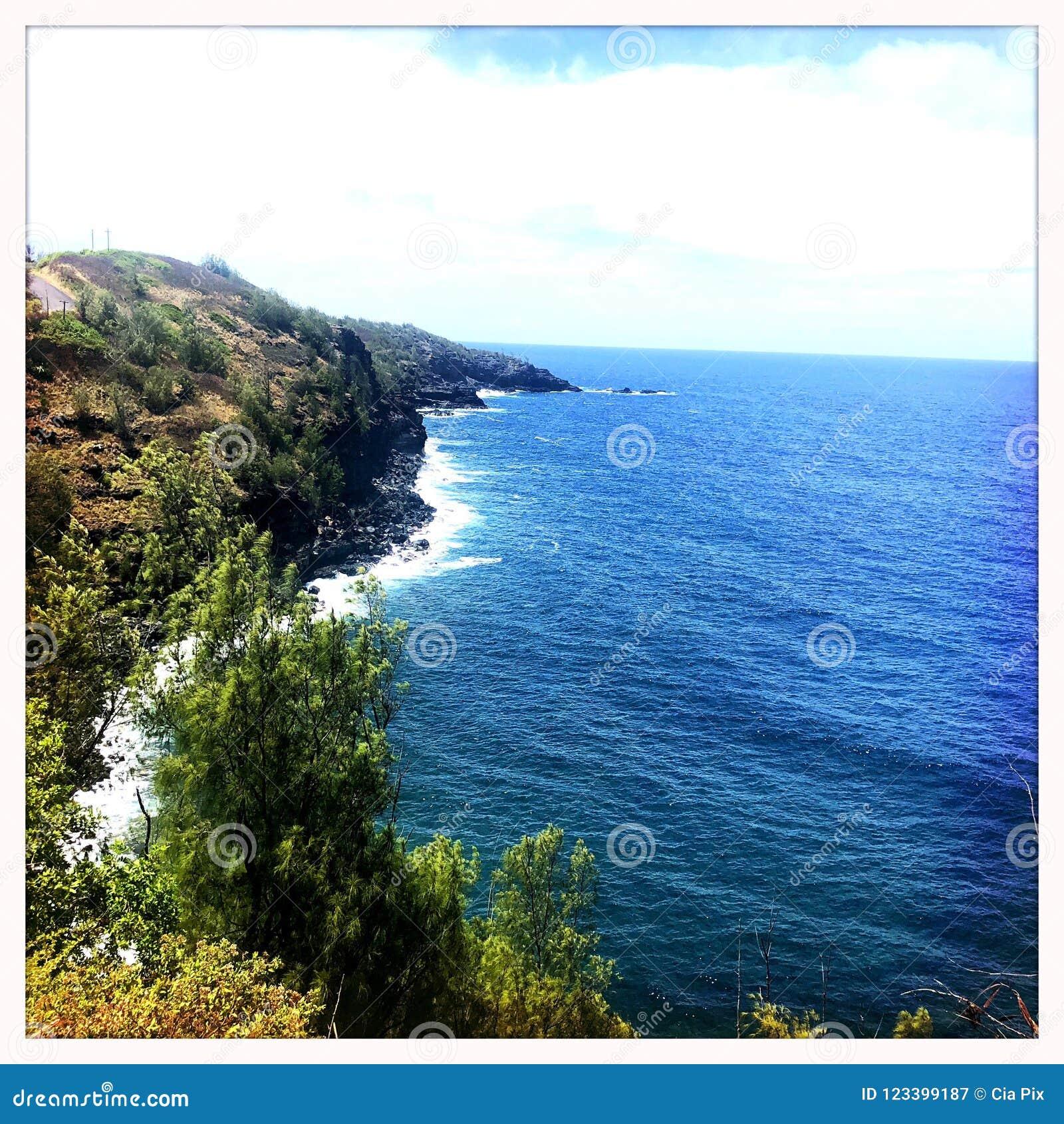Bluffs bij kust in Wailuku Maui