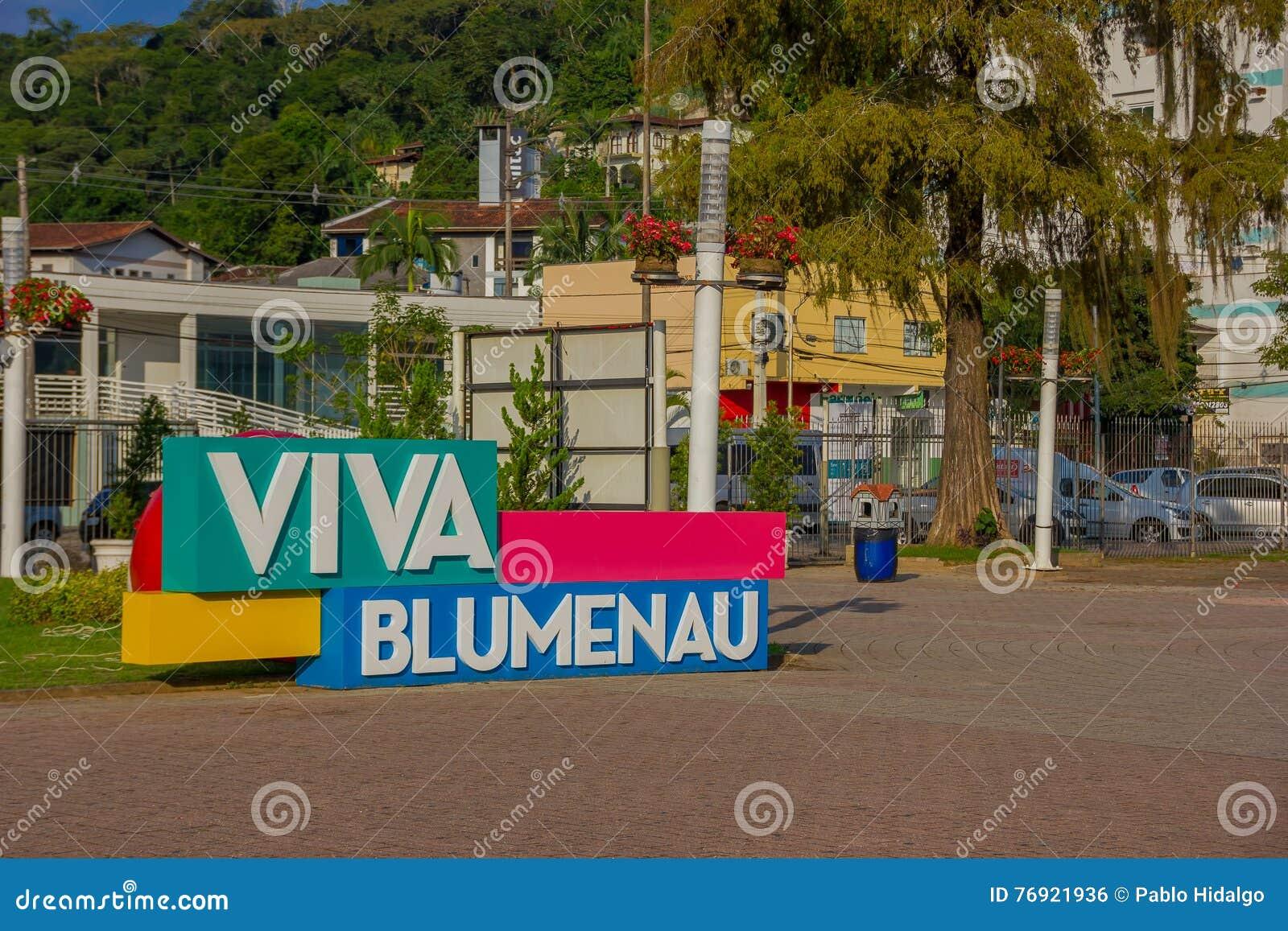 BLUMENAU, BRASIL - 10 DE MAIO DE 2016: sinal do blumenau do viva situado no centro da cidade