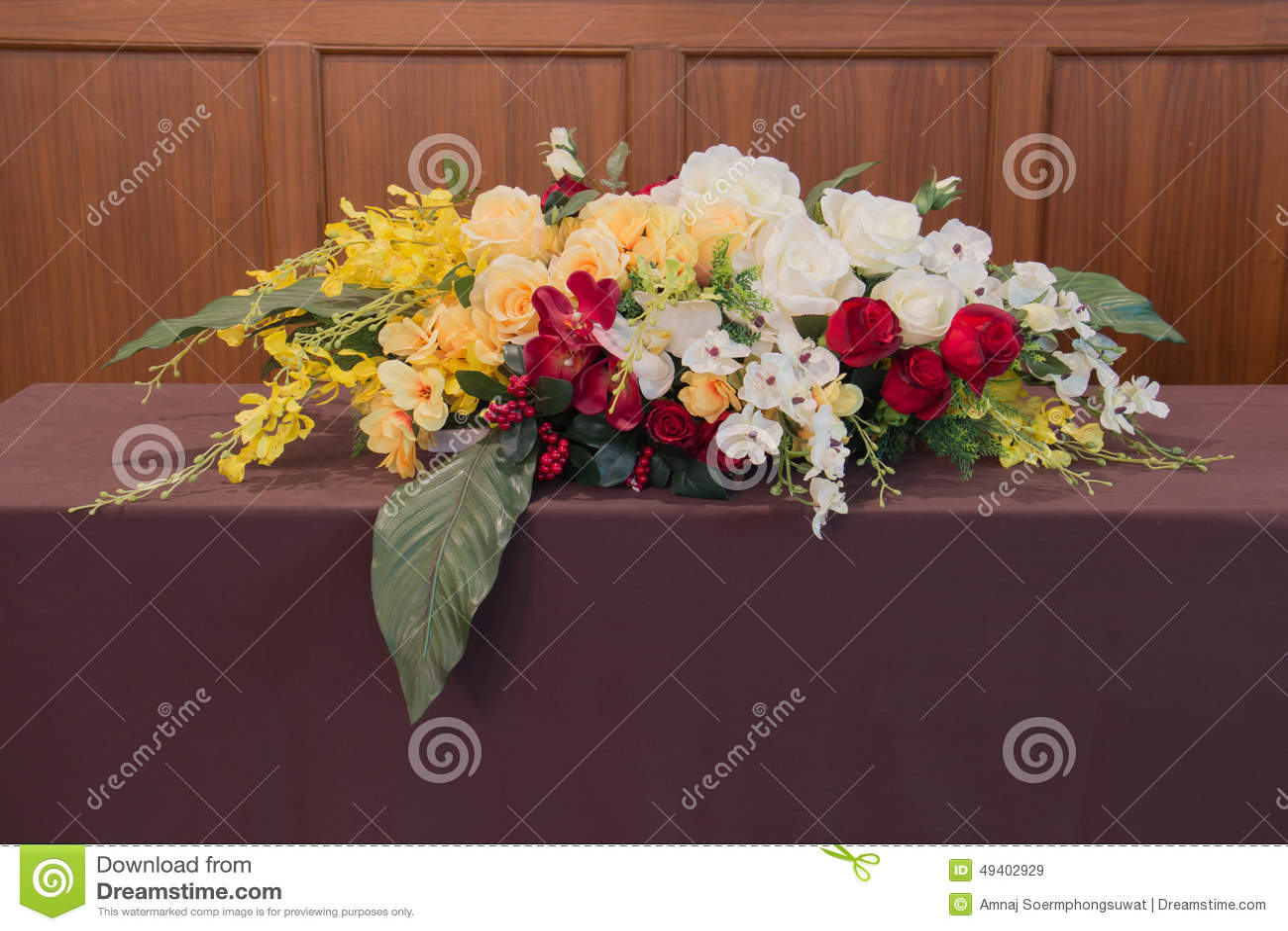 Download Blumenstrauß stockbild. Bild von hochzeit, hell, jahrestag - 49402929