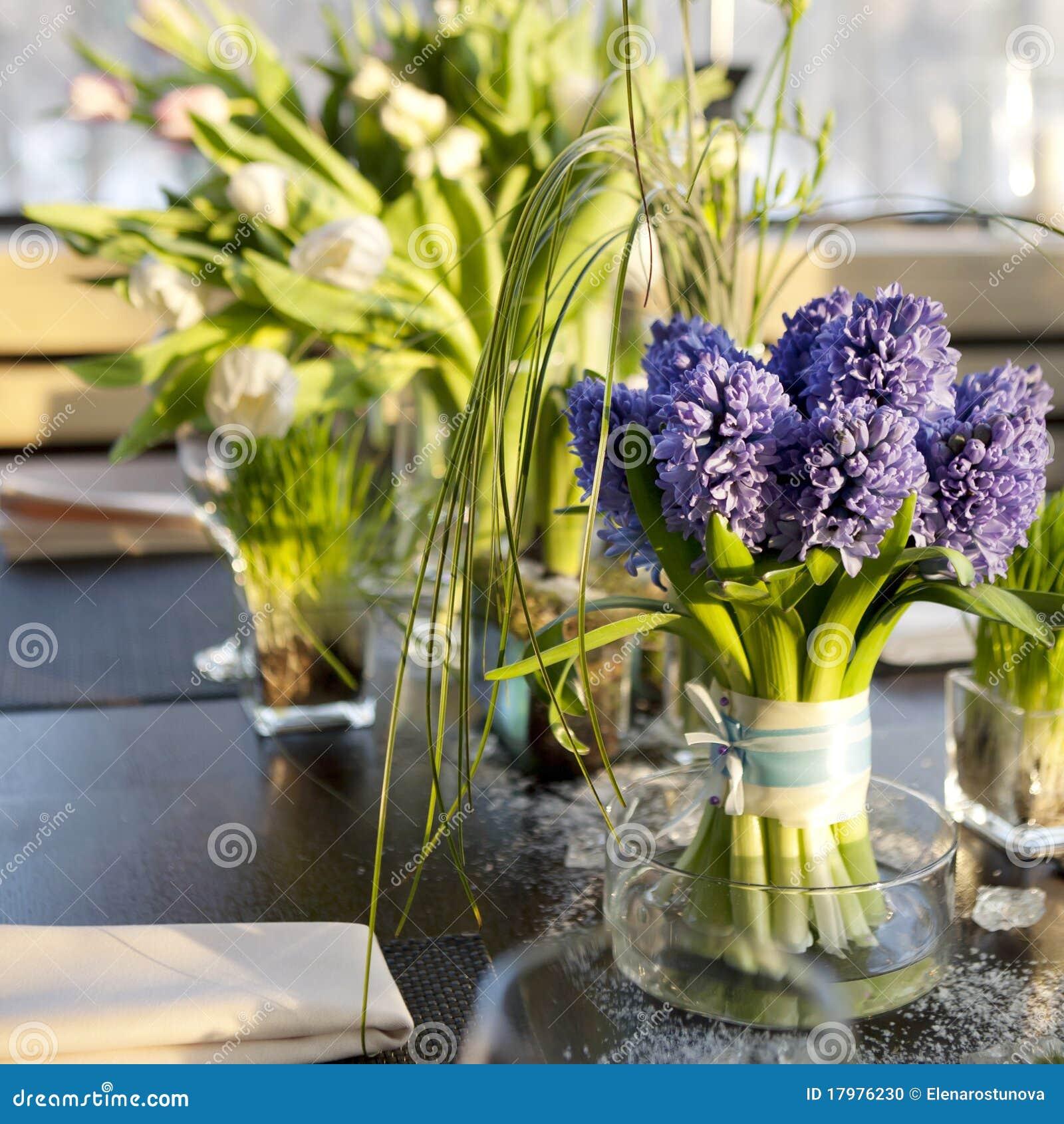 blumenstrau der hyazinthe im vase glas stockfoto bild 17976230. Black Bedroom Furniture Sets. Home Design Ideas