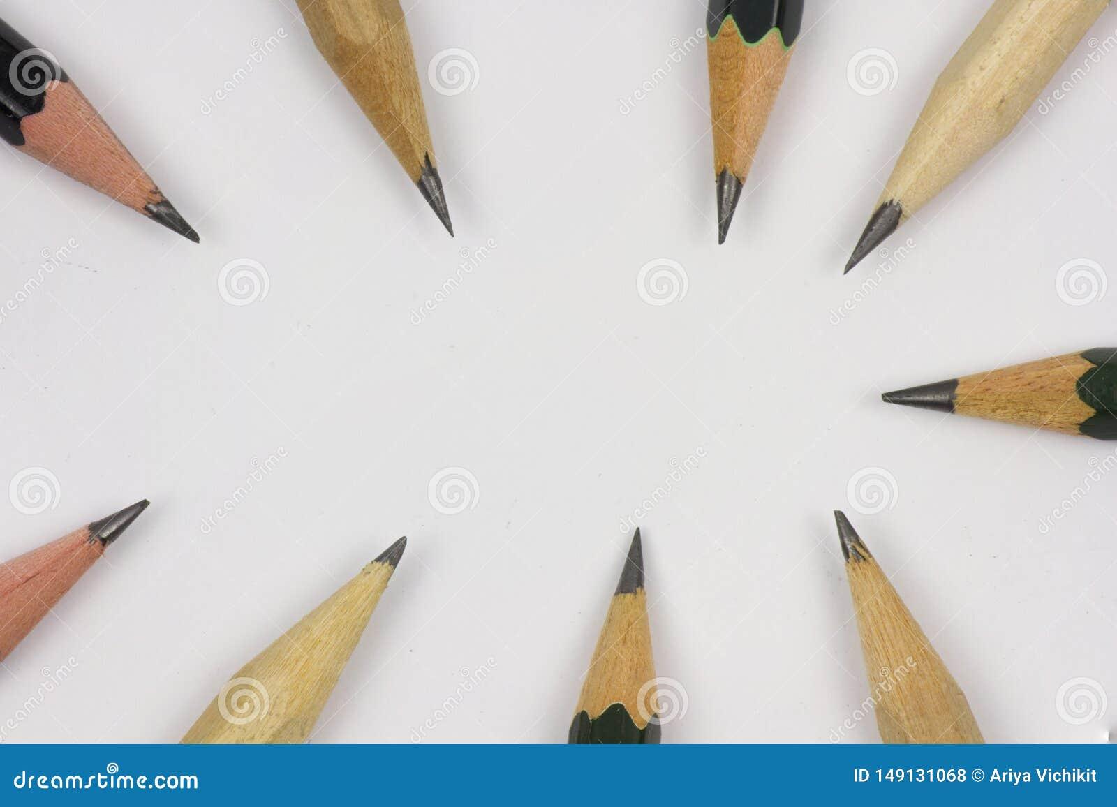 Blyertspenna med att v?ssa p? vitbokbakgrund