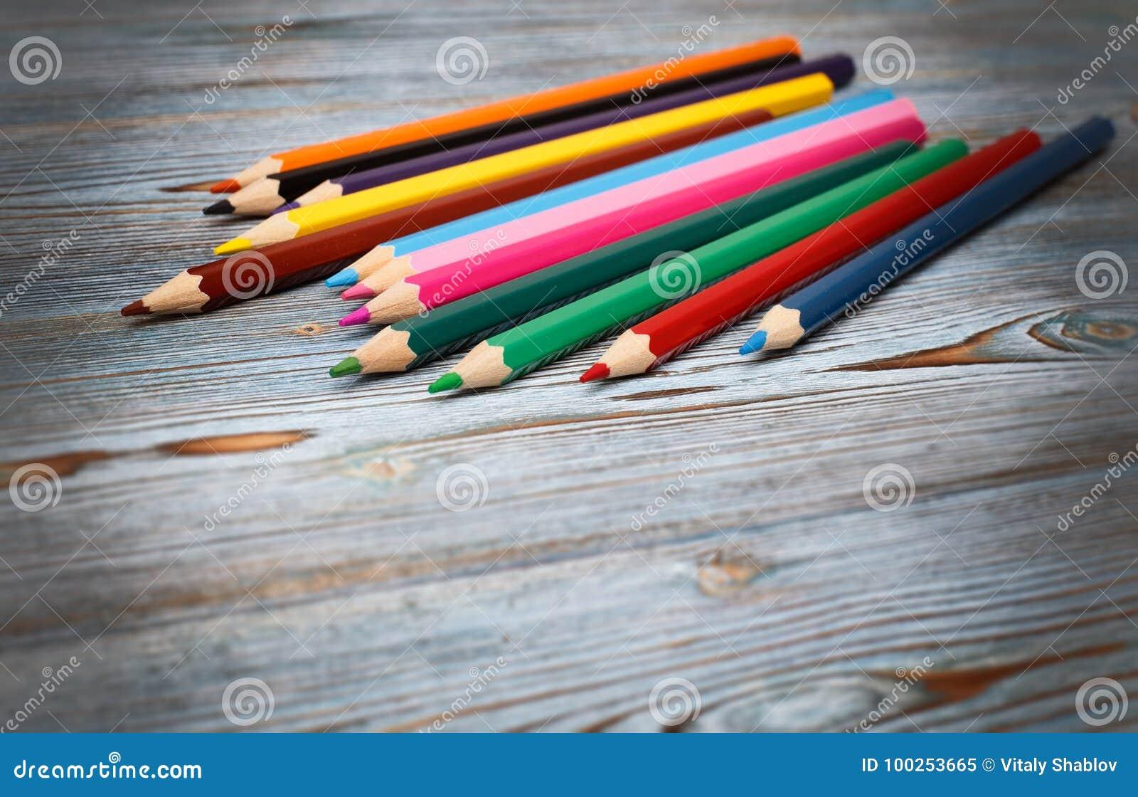 Blyertspennor Dra med en blyertspenna draw som lärer till