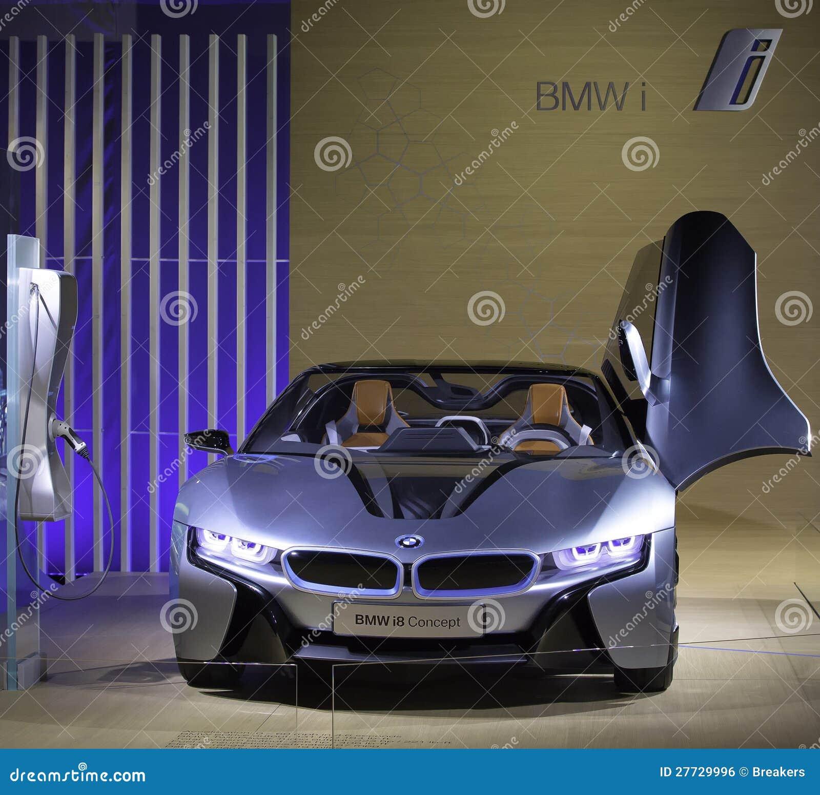 BMW i8 - Das Konzept BMW-i8 wird gezeigt